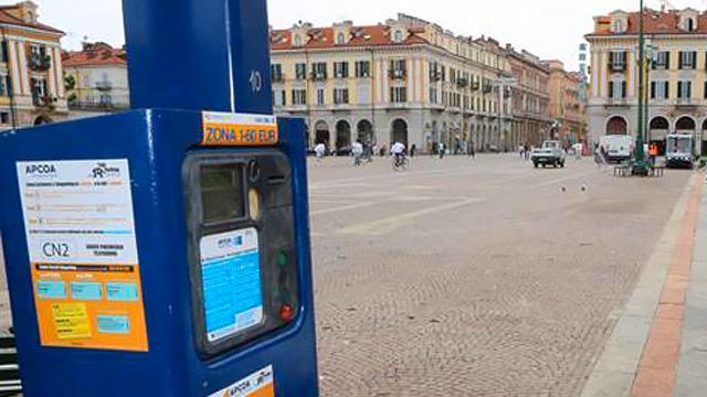 Confesercenti Cuneo contraria all'incremento delle aree di sosta a pagamento in città